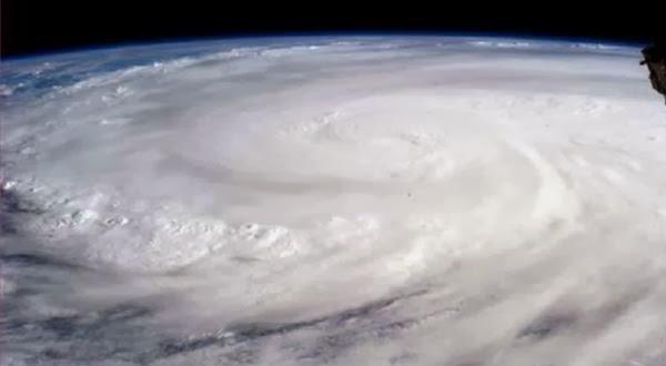 Kehebatan Topan Haiyan yang Dipotret Lewat Satelit