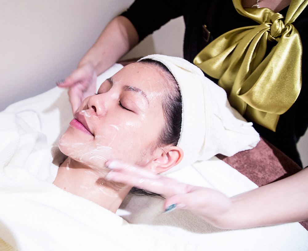 Crystal Phuong- Singapore Beauty Blog- Facial cleansing