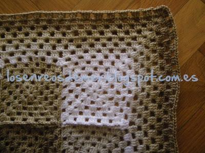 Detalle del contorno de la manta de ganchillo