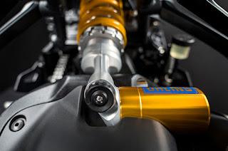 2016 Ducati Monster 1200 R Review