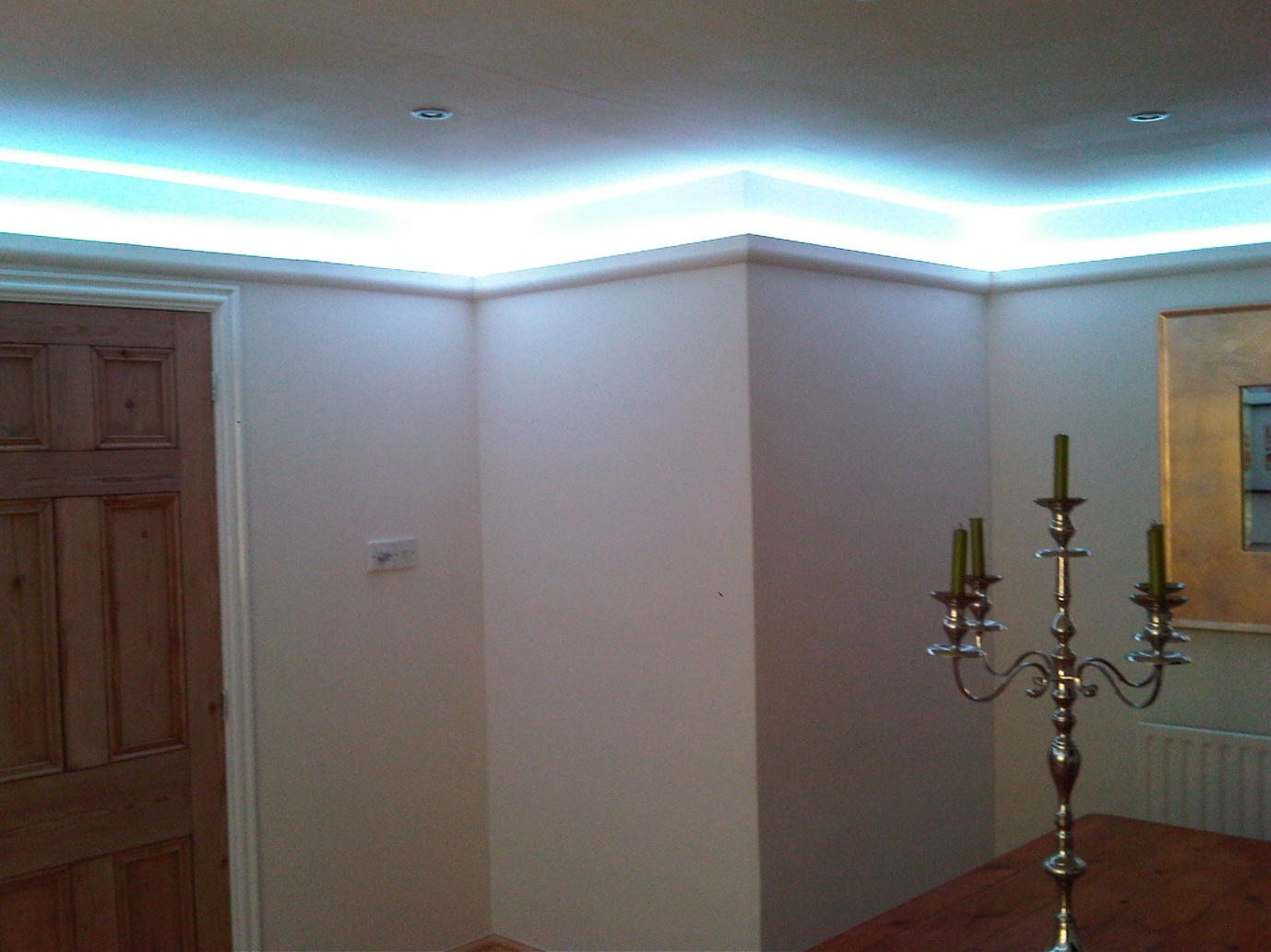 Instyle led lighting ideas of where to use the led tape Led lighting ideas for living room