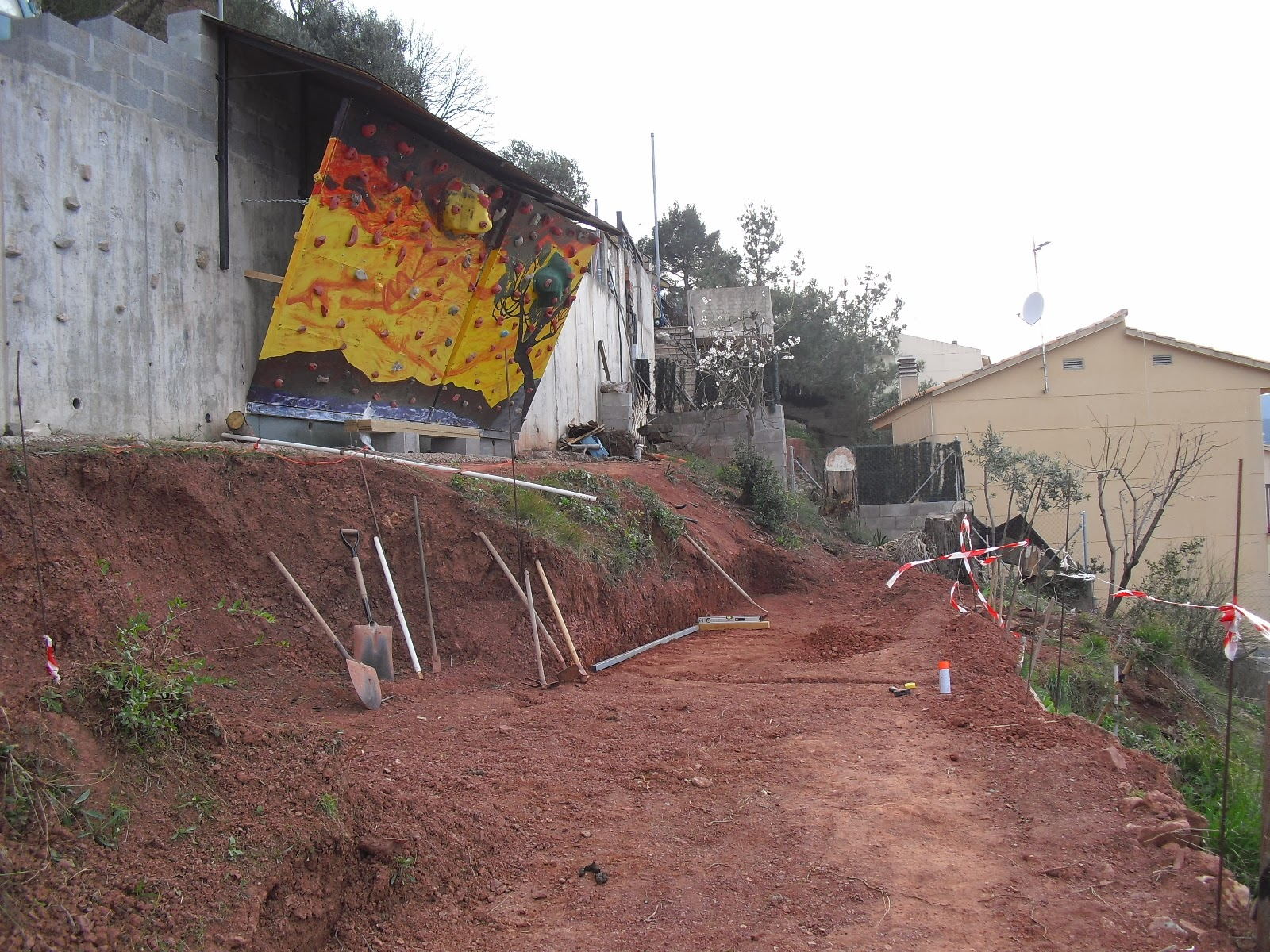Nuestra casa contenedor preparando el primer muro for Tipos de terreno