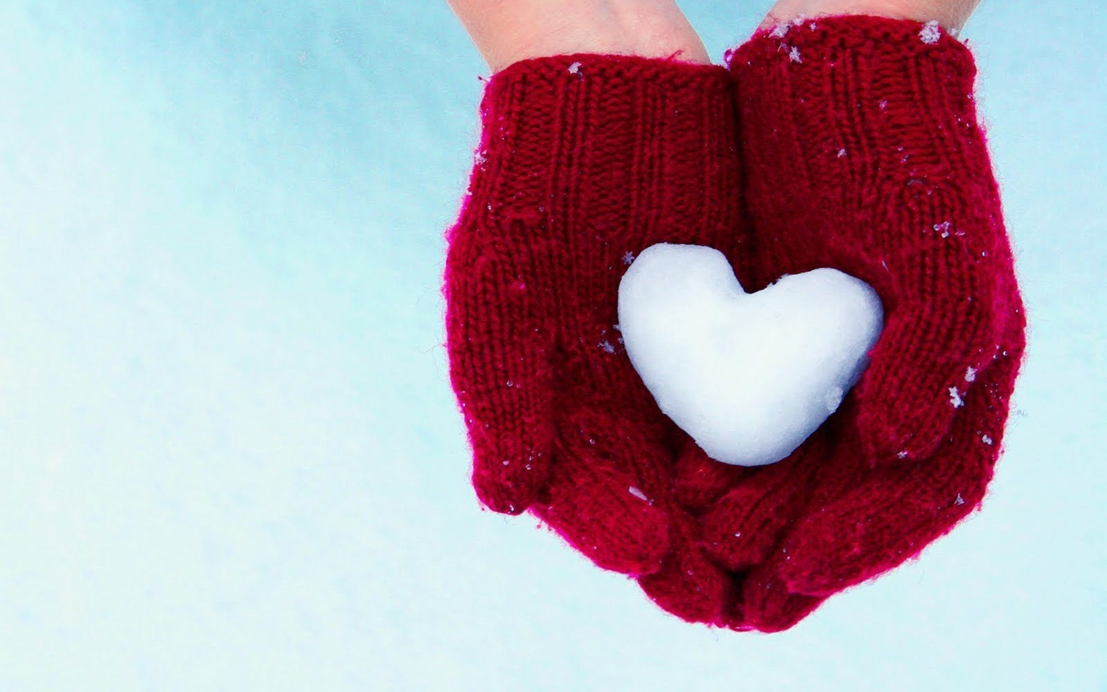 Love Wallpaper In Hand : Hands Gloves Heart Snow Winter HD Wallpaper Love Wallpapers Romantic Wallpapers - Stock ...