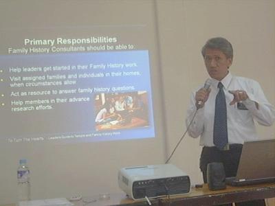 Elder Bon Reyes lecturing