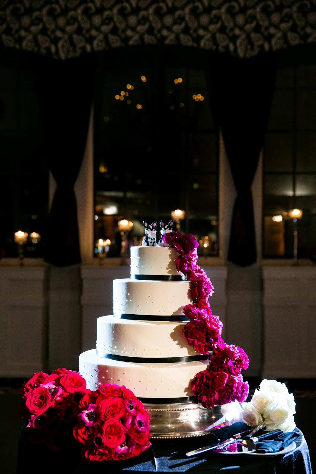Keep your wedding cake on trend chicagostyle weddings your wedding cake is one of the most iconic symbols of your special day a completely custom design tailored to the bride and groom biocorpaavc Image collections
