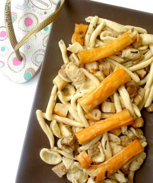 pastasciutta con surimi e funghi porcini