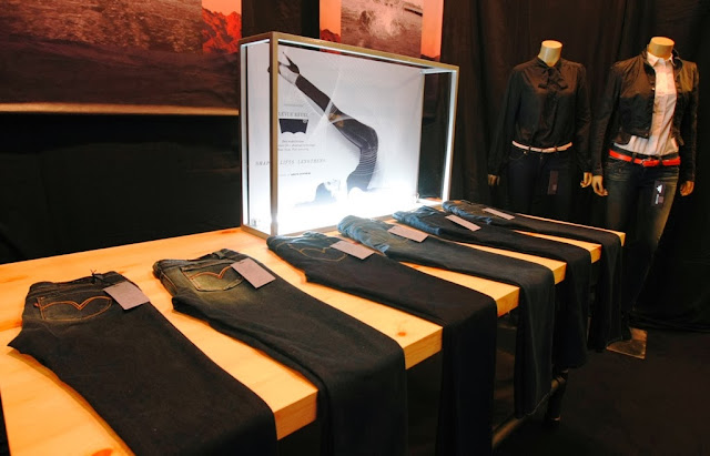 Levi's Revel Shaping Jeans, shaping jeans, levi's, levi's revel, jeans, product display