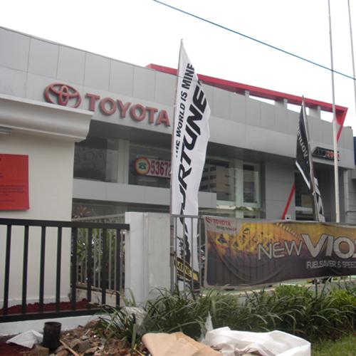 TOYOTA AUTO2000 Slipi, Alamat : Jl. Letjen S. Parman Kav. N4, Slipi Jakarta 11500