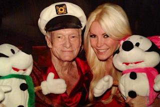Terceira mulher de fundador da Playboy é 60 anos mais jovem que ele