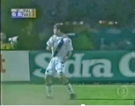 Comemorando com a torcida o 3º gol do Vasco (3min20) cbdcf99d2f31b
