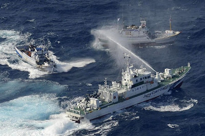 kapal perang air