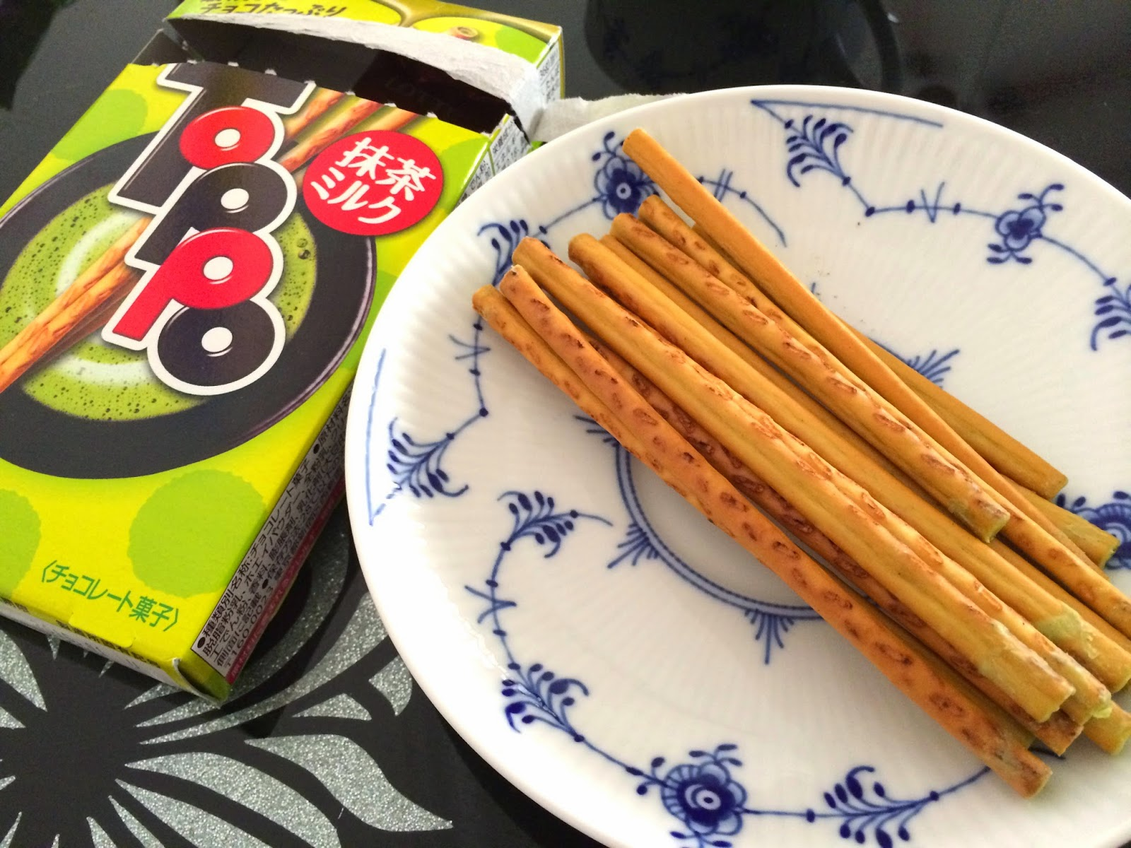 japanese matcha snack sweets japan toppo milk