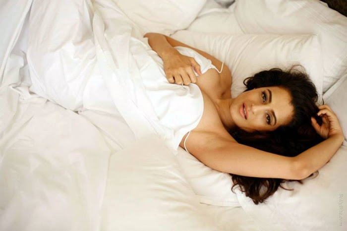 amisha patel | wrapped her inside the bedsheet hot images