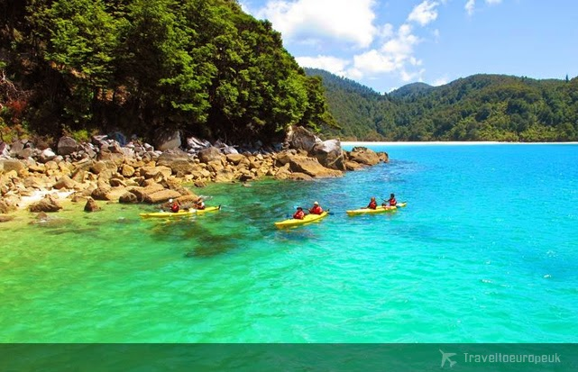 abel-tasman-national-park-nz-crystal-clear-water-beaches