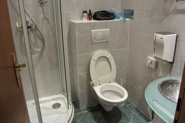 Kamar mandi sederhana 6