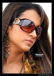 trisha sun glasses wearing photo