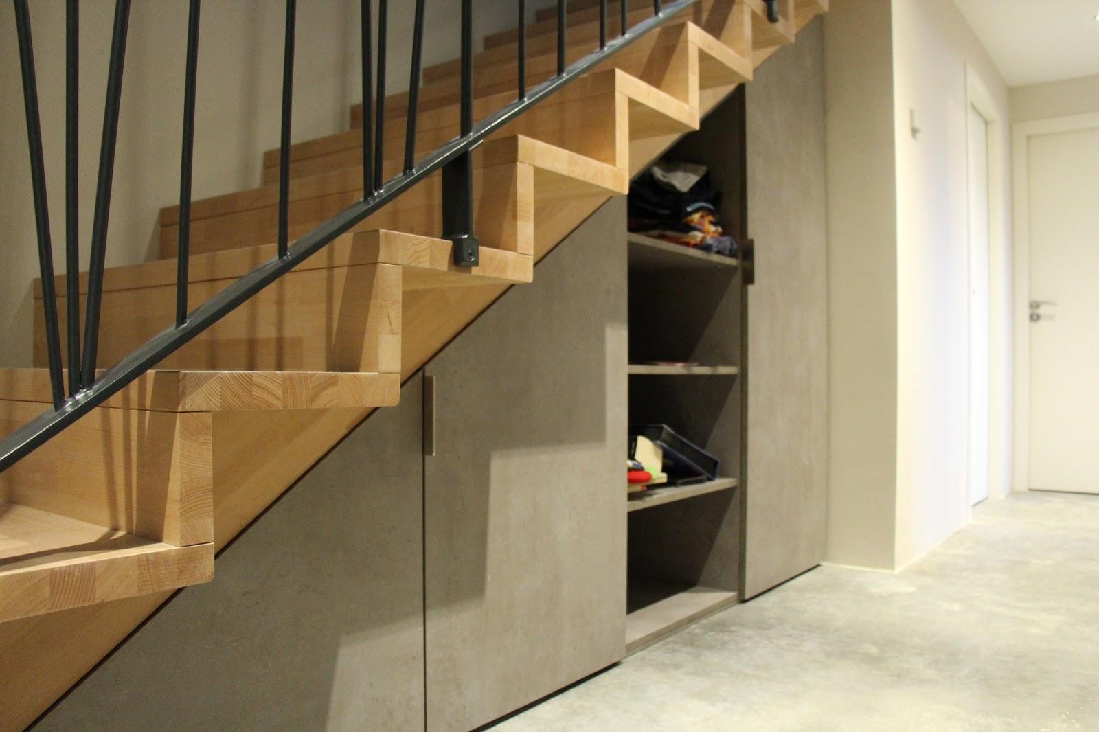 Construction d 39 une maison passive minergie p cruseilles haute savoie avril 2013 for Placards sous escalier