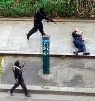 video rematan a un policia en calle parís