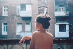 Perdona cada lágrima, yo sé que no merezco más, pero si no te tengo aquí, no sé vivir.
