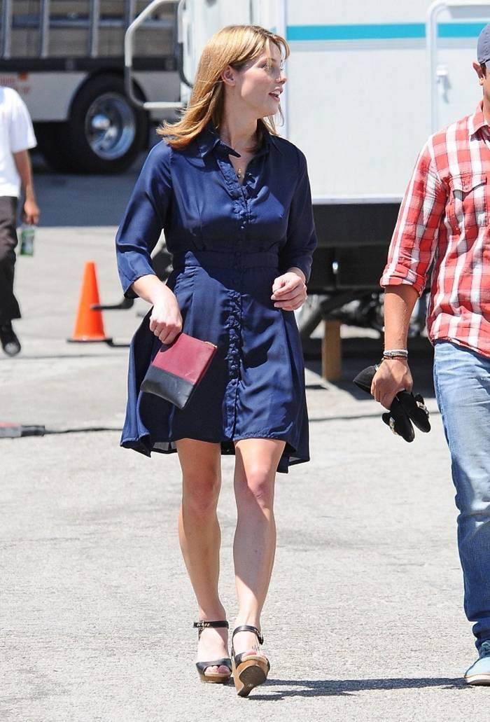 Ashley Greene and Kate Hudson on Set of 'Wish I Was Here' in LA