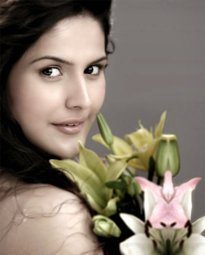 Zarine Khan Latest Hot Pics Gallery [HD Photos]
