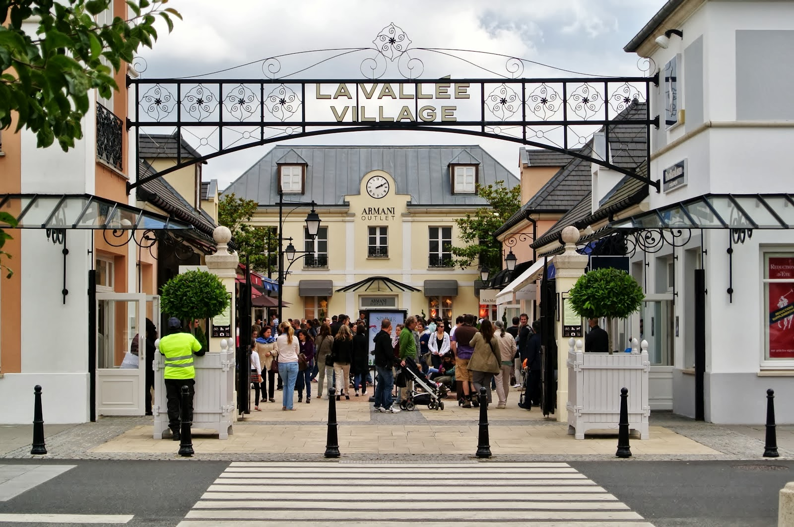 La Vallee Village Outlet psaris