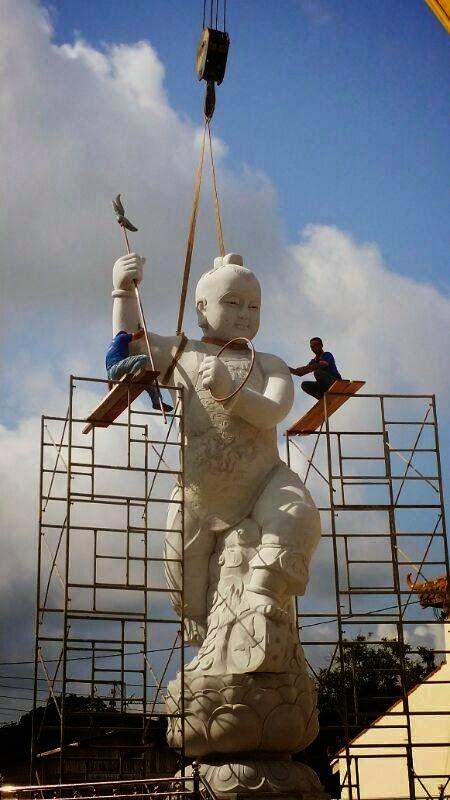 Patung Berhala Yang Besar Di Kota Tinggi