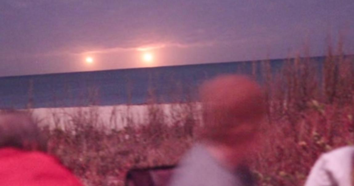 Huge Golden UFOs Filmed Over Vero Beach Florida During CSETI Event