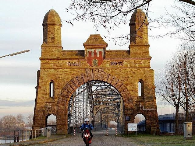 جسور+ثقف+نفسك+11 مدينة الجسور في هامبورغ