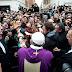 Papa Francisco con los pobres del mundo