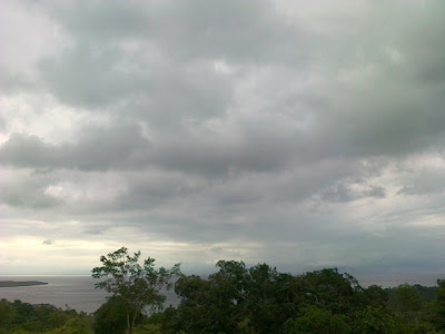 Pemandangan dari atas bukit Padang Bunga