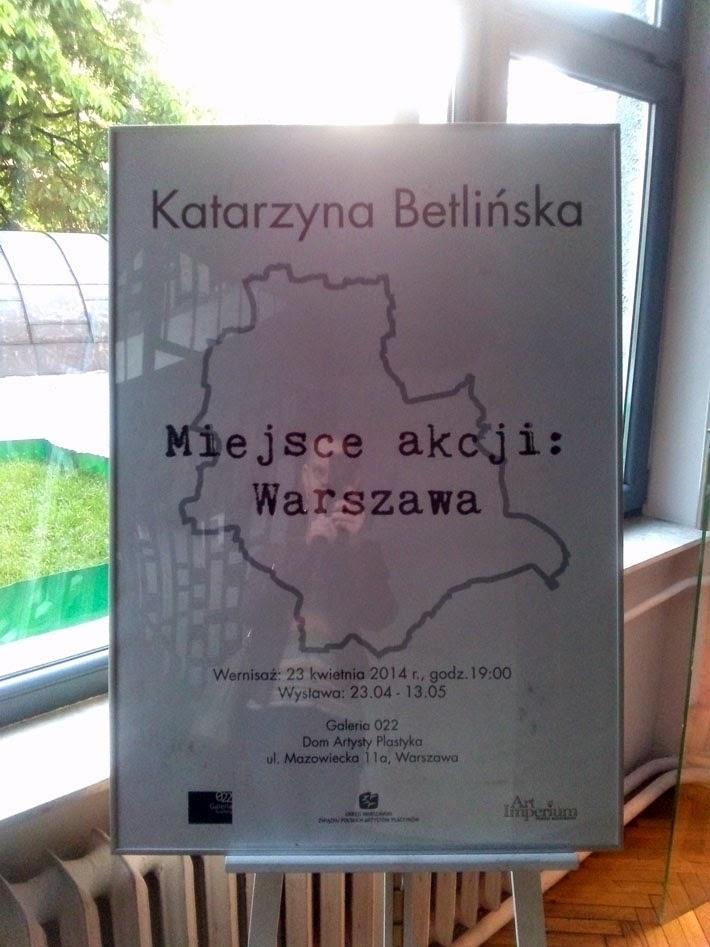 """""""Miejsce akcji: Warszawa"""" – Wernisaż grafiki Katarzyny Betlińskiej. Plakat promujący wystawę."""