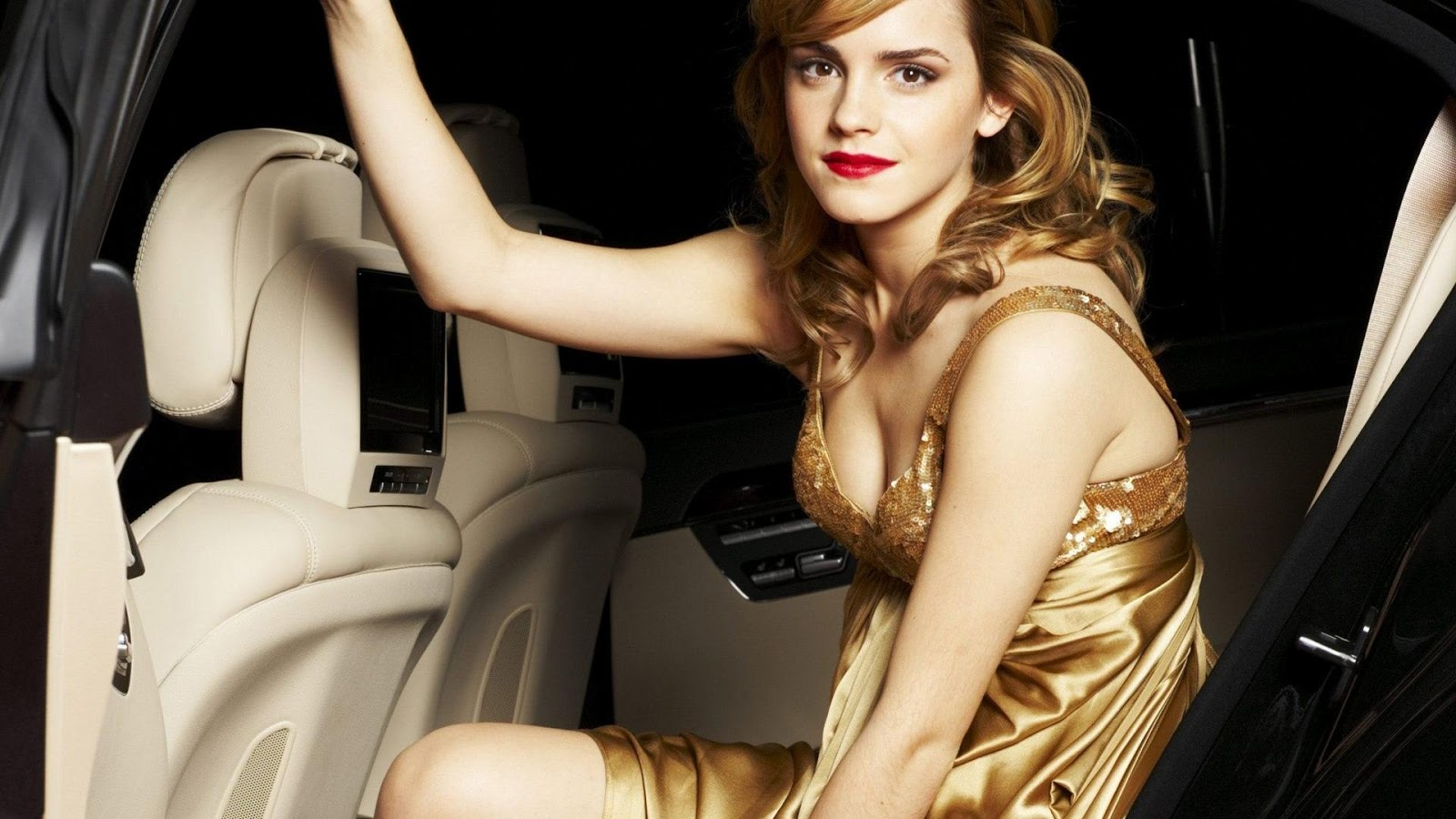 Swimsuit Issue, Emma Watson pics, pictures, biography, video, related ...