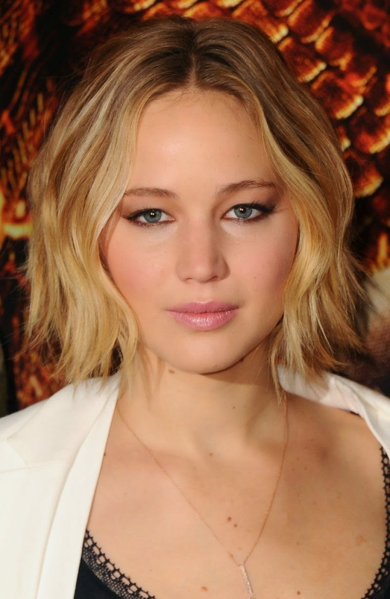 Jennifer Lawrence – 'The Hunger Games: Mockingjay Part 1′ Photocall in London
