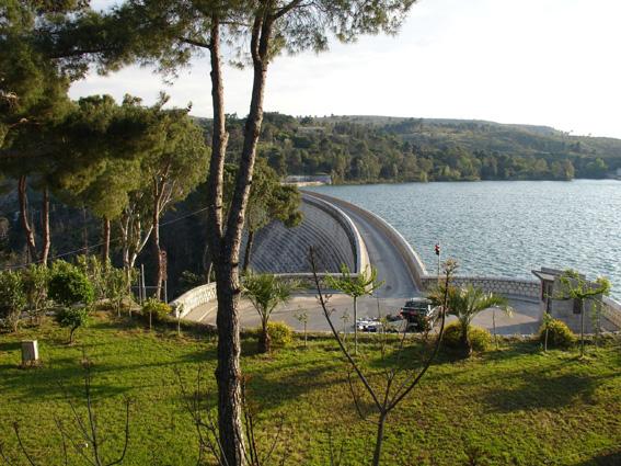 Αποτέλεσμα εικόνας για λίμνη του Μαραθώνα