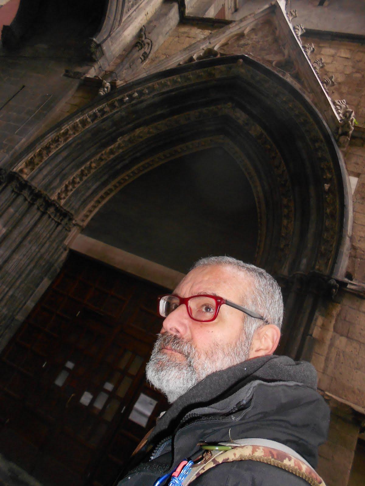 ingresso cattedrale s. Eligio maggiore