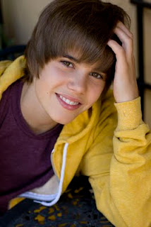 Biography Justin Bieber on Justin Bieber Full Name Is Justin Drew Bieber Justin Bieber Born March