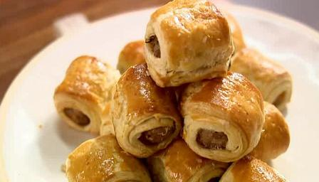 lorraine pascale sausage roll