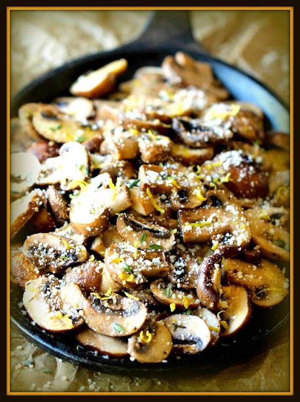 Cogumelos frescos assados com parmesão