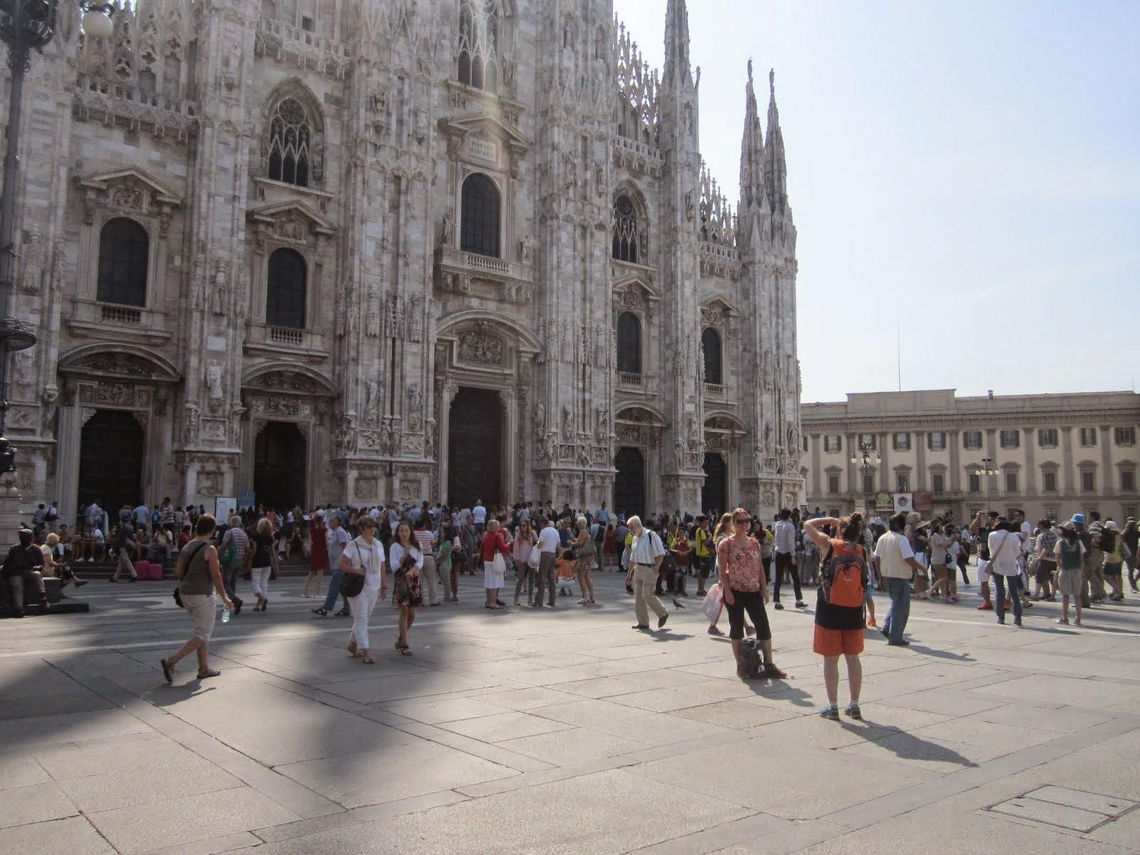 MIlano.. e la coda x il Duomo .. agosto 2014-15
