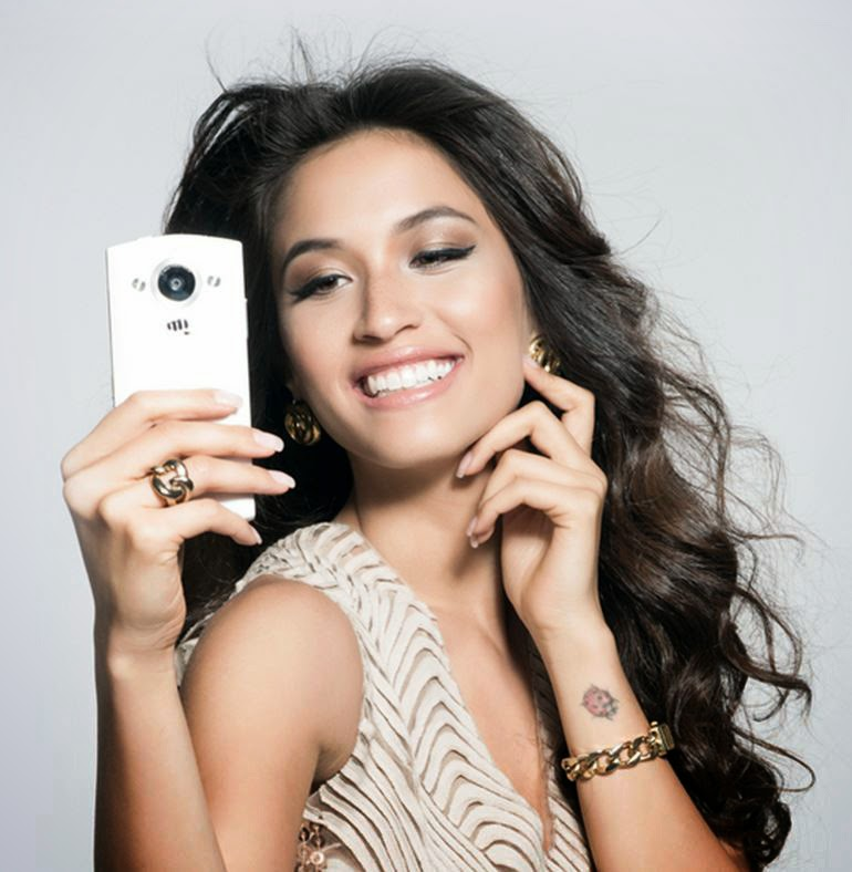 Micromax Canvas Selfie: Exclusively for Women?