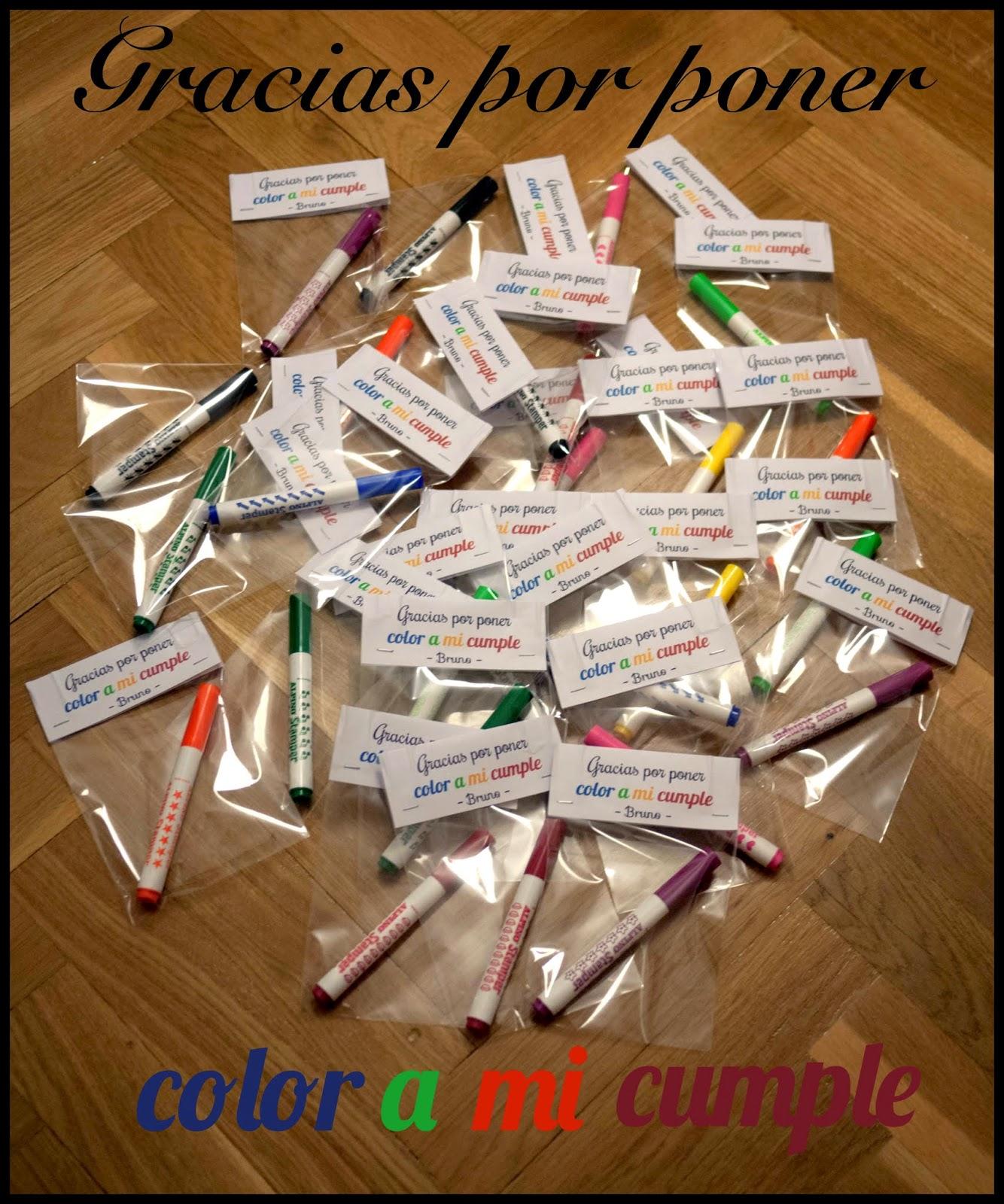 Rotuladores empaquetados individualmente para regalas a los invitados del cumpleaños