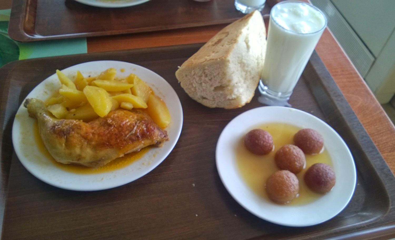 Lovely chicken and tatties, not so nice dessert