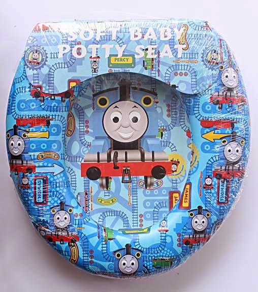 Kado ulang tahun berupa potty seat cantik Thomas.