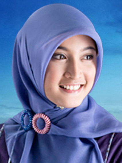 wanita cantik berjilbab