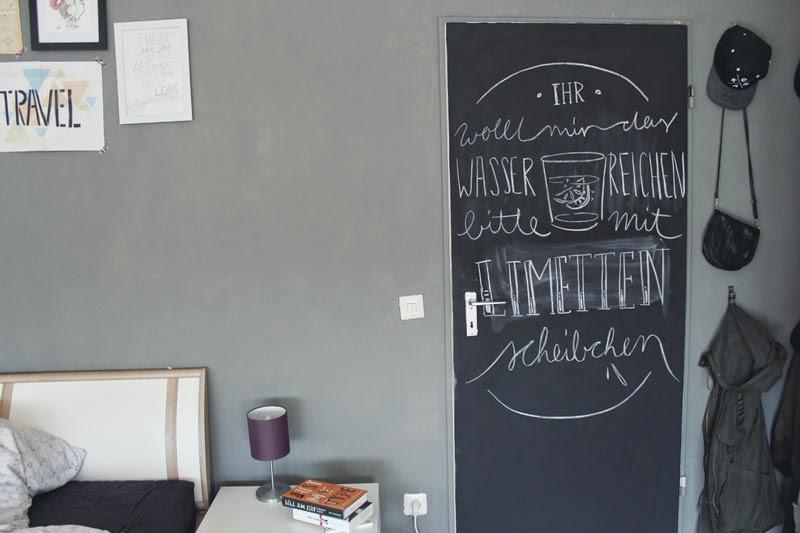Tafel farbe wand mit tafelfarbe zum blickfang machen die besten 17 ideen zu k chenr ckwand auf - Schiefertafel wand ...