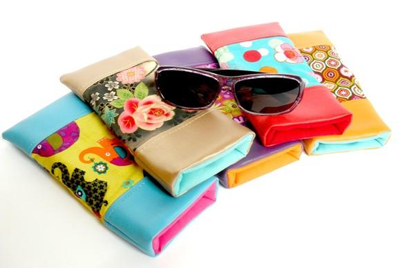 http://www.cotonetpapillon.com/boutique/accessoires-de-mode/etuis-%C3%A0-lunettes/