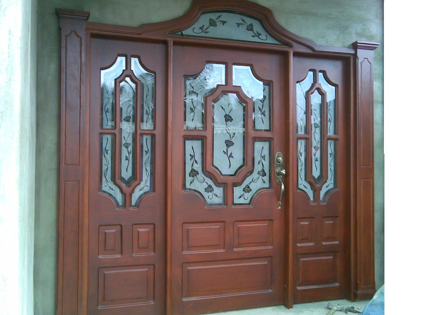 Muebles reinel carpenter puertas principales for Puertas principales rusticas madera