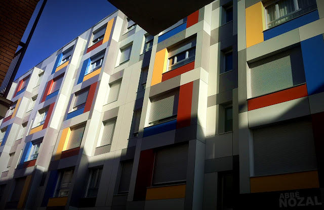 Aportando dignidad a un barrio obrero, 2012 (cc) Abbé Nozal