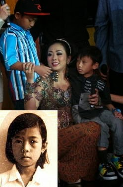 Foto Shoimah dengan Kedua Anaknya